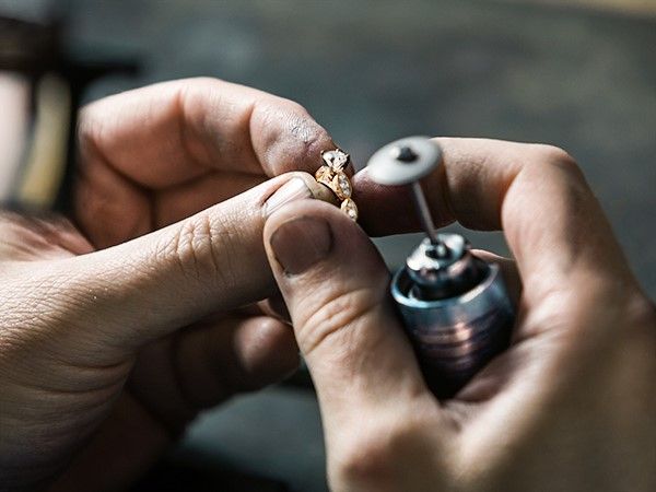 Creating a yellow gold engagement ring.